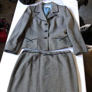 Dress Suit 2 pcs by Tahari Arthur